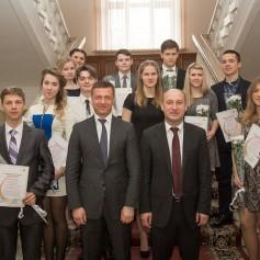 12 смоленских школьников удостоились премии Гагарина