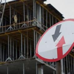 Цены на жилье в новостройках упали, на «вторичку» — выросли