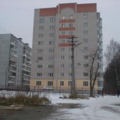 В Смоленске жилая многоэтажка чуть не уползла в овраг