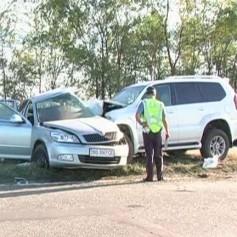 Под Смоленском в результате ДТП чуть не взорвались две машины