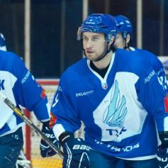 Вратарь смоленского «Славутича» находится на просмотре в клубе ВХЛ