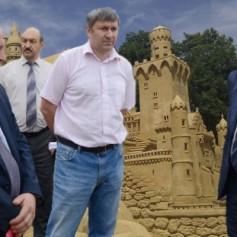 Островский проинспектировал недостроенные детские сады Смоленска
