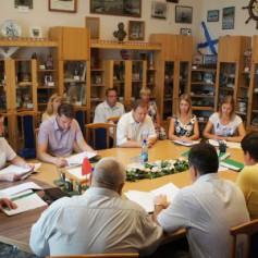Депутаты рассмотрели две кандидатуры на звание почетных граждан города