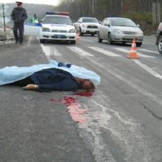 Водитель большегруза насмерть сбил пешехода под Смоленском