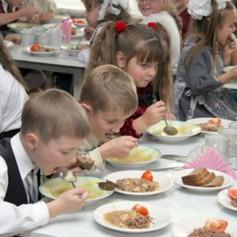 Смоленские школьные обеды оказались не самыми дешевыми в стране