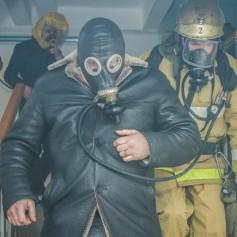 Спасатели вытащили из горящей пятиэтажки 12 жильцов