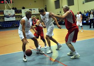 В Смоленске прошел уникальный баскетбольный матч