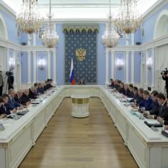 Губернатор Алексей Островский доложил главе Российского Правительства о проблемах смоленского теплоснабжения