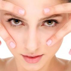 Как сохранить молодость кожи вокруг глаз?