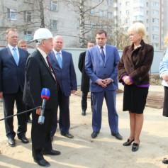 Замминистра здравоохранения РФ побыла на строительстве перинатального центра в Смоленске