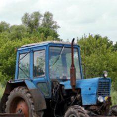 Тракторист угнал у работодателя технику из-за нестабильного заработка