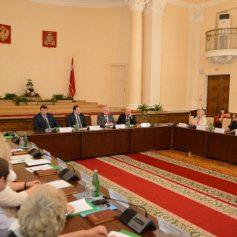 В Смоленске состоялось первое заседание членов Общественной палаты V состава