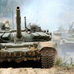 Смоленские танкисты выбили условного противника с берегов Дона