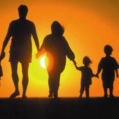 Нуждающиеся в поддержке семьи получат ежемесячные денежные выплаты