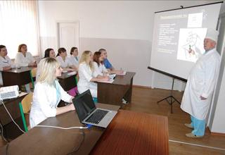 Врачи из Смоленска прочитают лекции коллегам и проконсультируют граждан в Подмосковье