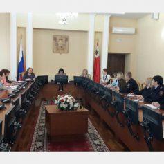 В Смоленске обсудили проблему подросткового суицида