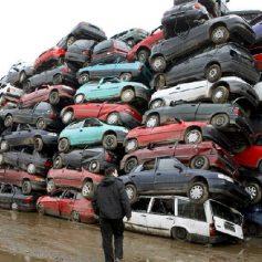 В Смоленске таксист сдал чужую машину в авторазборку