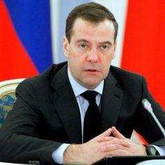 Председатель правительства Дмитрий Медведев встретится в Смоленске с ветеранами и посетит музей