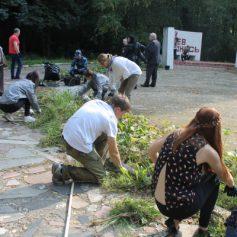 Активисты ОНФ требуют отремонтировать мемориал погибшим в годы войны советским воинам в Смоленском районе