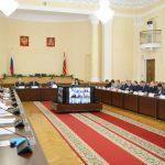 В Смоленской области обсудили повышение зарплаты медикам, педагогам, соцработникам и работникам культуры