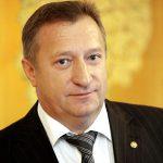 В чем подозревается экс-сенатор Анатолий Мишнев?