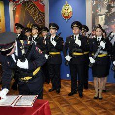 В Смоленске полицейские приняли присягу