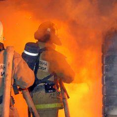 В Рославле ночью горела квартира