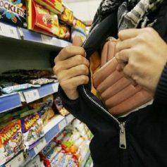 Смолянин несколько раз за день воровал продукты в магазине