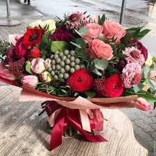 Цветы с доставкой: то, что подарит радость