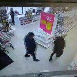 «Хотели сделать подарки к 8 марта». В Смоленской области задержали семейную пару, совершившую за день серию краж в магазинах