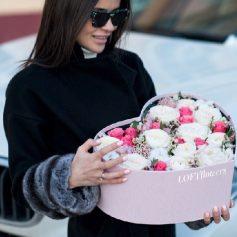 В Смоленске теперь можно заказать доставку цветов через сайт магазина Loft flowers