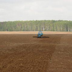 Алексей Островский договорился о предоставлении смоленским аграриям минеральных удобрений