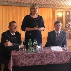 Депутаты облдумы встретились с жителями Смоленского района