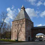 В Смоленске на крепостной стене установили икону Николая Чудотворца