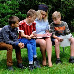 В Смоленской области для подростов из профильной смены «Патриот» провели занятие по правовому информированию