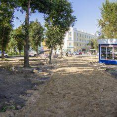 В Смоленске полным ходом идут работы по благоустройству сквера у льнозавода