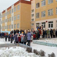 Спасатели Смоленска потушили «пожар» в школе № 40