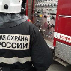 Одна машина сгорела и две повреждены в смоленском микрорайоне Новосельцы