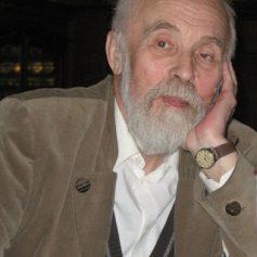 В Москве скончался писатель Николай Карпов