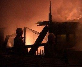 В Смоленском районе рано утром сгорел жилой дом