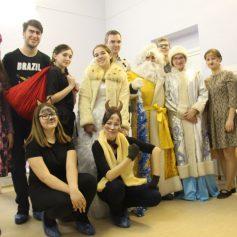 Православные добровольцы показали рождественский спектакль в смоленских больницах