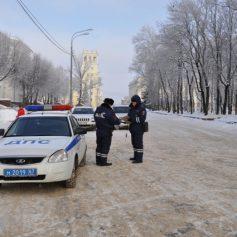 В Смоленске инспекторы ГИБДД провели рейд по выявлению нарушений правил парковки в центре города