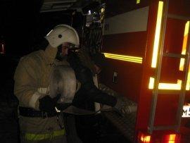В квартире на Витебском шоссе в Смоленске ночью загорелась дверь