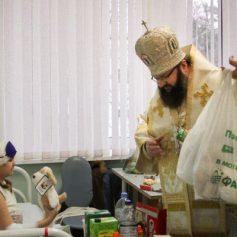 Митрополит Исидор отслужил Божественную литургию в храме в Калужской клинической больнице