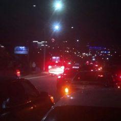 Пробка на улице Кирова сформировалась из-за тройного ДТП