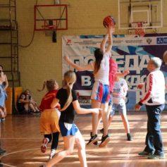 Чемпиона по баскетболу среди школьников определили в Смоленске