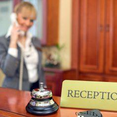 Раскрыт размер зарплаты администратора гостиницы в Смоленске