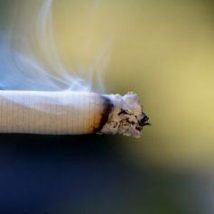 Курение могло стать причиной пожара в квартире в Смоленске