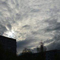 Погода продолжит держать смолян в напряжении