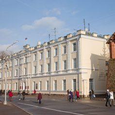 В администрации Смоленска может стать на один комитет меньше